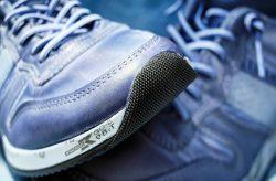 sport-shoe-1470061_1920